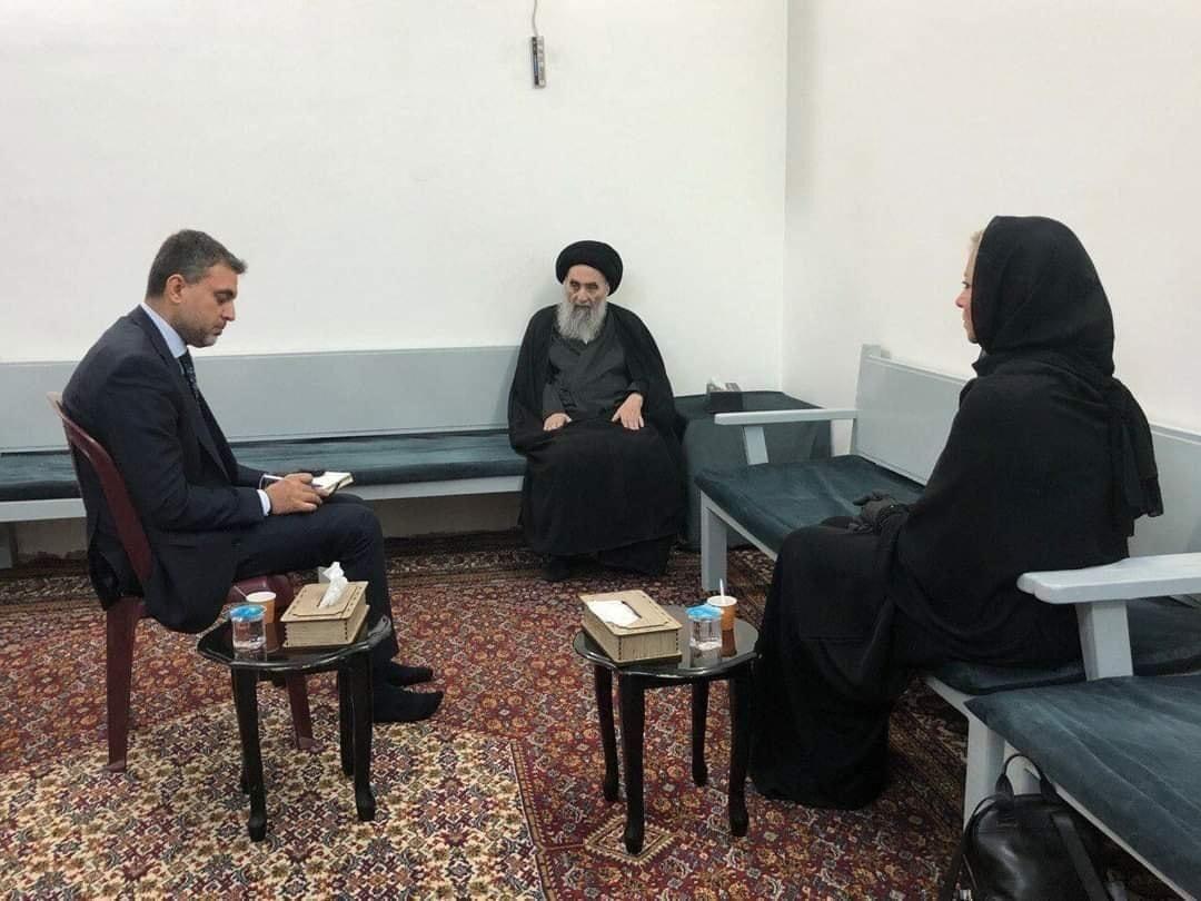تصویر جدید مرجع عالیقدر حضرت ایت الله العظمى سیستانى در دیدار صبح امروز نماینده سازمان ملل در عراق با ایشان.