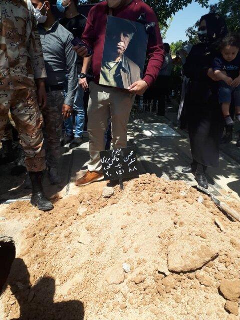 مراسم خاکسپاری محسن قاضی مرادی با حضور هنرمندان