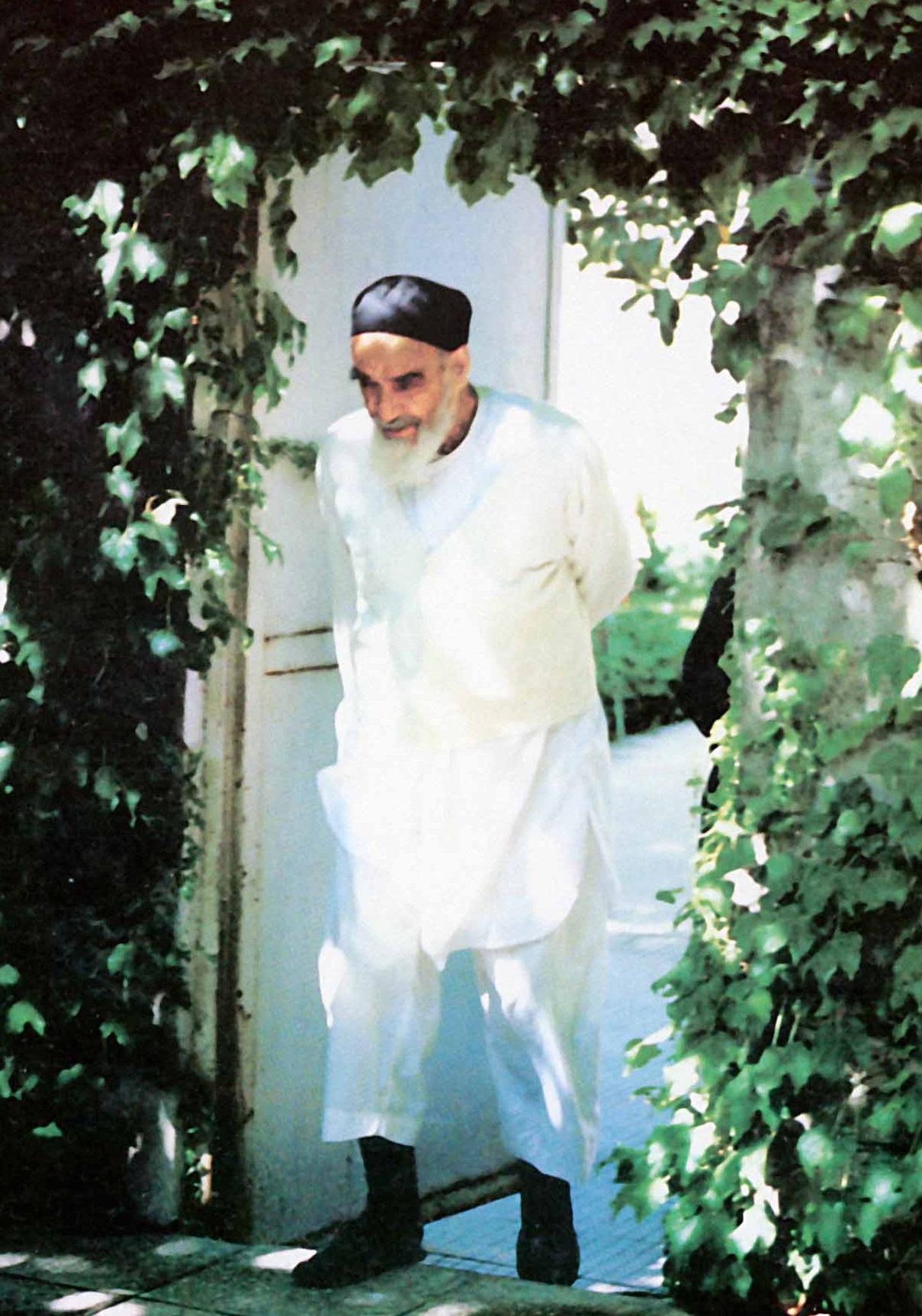شخصیت امام خمینی (س) | ویژگیهای فردی و عوامل مؤثر بر شخصیت