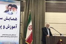 استاندار اصفهان: نباید هیچ مدرسه کانکسی و آفتابی در استان وجود داشته باشد