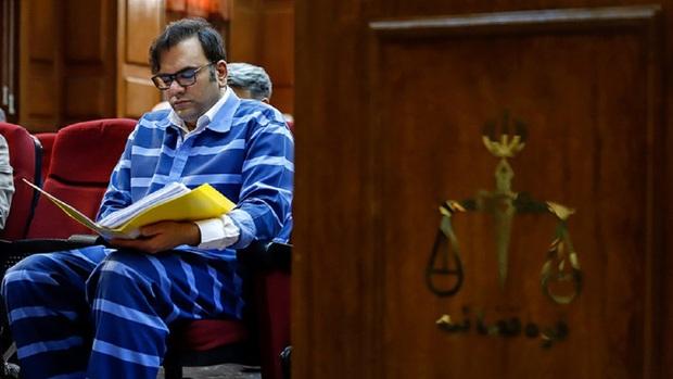 قاضی خطاب به وکیل امامی: شما نمیتوانید در دادگاه، مجلس یک کشور را زیر سوال ببرید