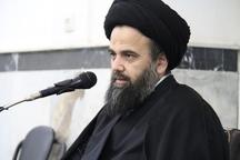 امام جمعه آران و بیدگل: کمرنگ نشان دادن دستاوردهای نظام ظلم به انقلاب است
