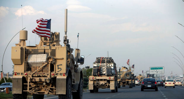نیروهای آمریکایی از یک پایگاه در شمال سوریه خارج شده و آن را منهدم کردند