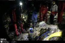 جسد بی جان مرد گرفتار در غار بابااحمد چالدران بیرون کشیده شد