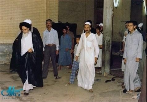 طلبه های اجیر شده چگونه امام را اذیت می کردند؟