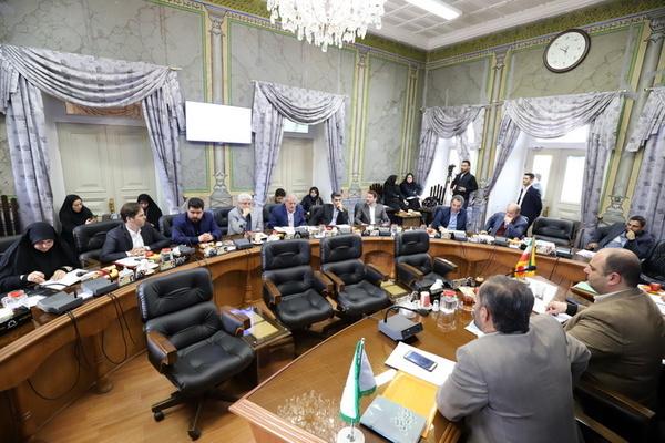 معرفی و ارائه برنامه نامزدهای تصدی شهرداری رشت  آییننامه، کار نامزدها را سخت کرد