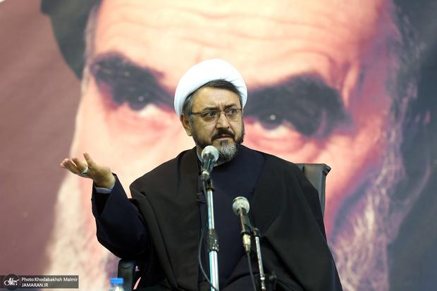 کمساری: در دفاع از امام انقلابی عمل خواهیم کرد/ درب مؤسسه به روی همه عاشقان امام باز است