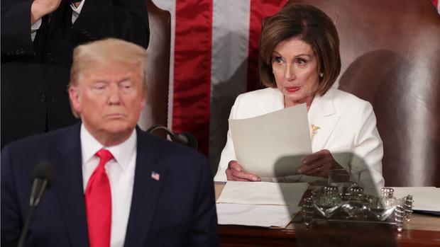 نانسی پلوسی شمشیر را برای ترامپ از رو بست؛خادم پوتین نمی تواند خود را عفو کند!