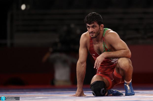 چرا به رخ قهرمان ایرانی پنجه می کشید؟