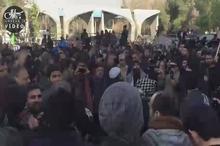 سنج و دمام زنی در مقابل دانشگاه تهران؛ لحظاتی پیش