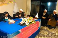 جشن میلاد حضرت فاطمه زهرا (س) در دفتر آیت الله العظمی صانعی+ تصاویر