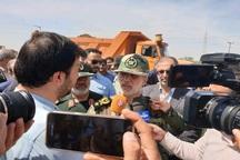 وزیر دفاع:زندگی مردم سیل زده را به شرایط عادی باز می گردانیم