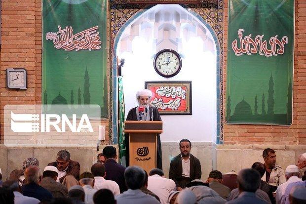 اتحاد جامعه اسلامی دشمن را سردرگم میکند