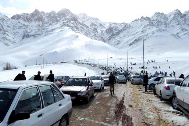 جشنواره ملی سازه های برفی در غرب استان اصفهان آغاز شد