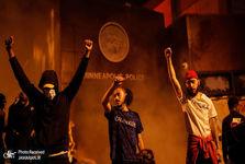 ادامه اعتراض و آشوب در سراسر آمریکا/ حمله به خبرنگاران+ تصاویر