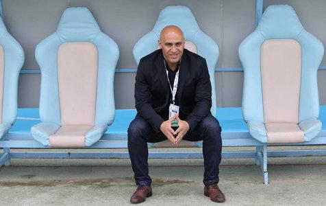 منصوریان: یک جای کار میلنگد که هواداران به ورزشگاه نمیآیند