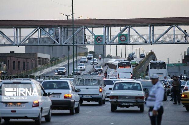 ترافیک در آزادراههای قزوین نیمه سنگین است
