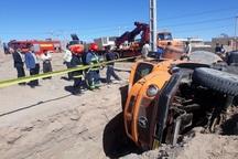 واژگونی کامیون در بیرجند حادثه آفرید