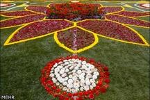استقبال از مهمانان البرزی با پهن کردن فرش گل در نوروز تور رایگان یکروزه برای خانوادههای کم درآمد