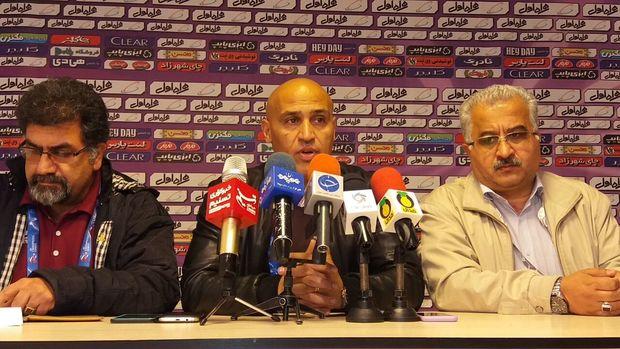 منصوریان: مخالف وقتکشی در طول بازی هستم