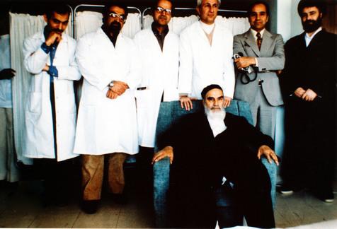 چرا امام خمینی با پیشنهاد مداوا در خارج از کشور مخالفت کردند؟