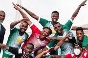 تاریخ سازی کشوری زیر خط فقر در فوتبال!+عکس