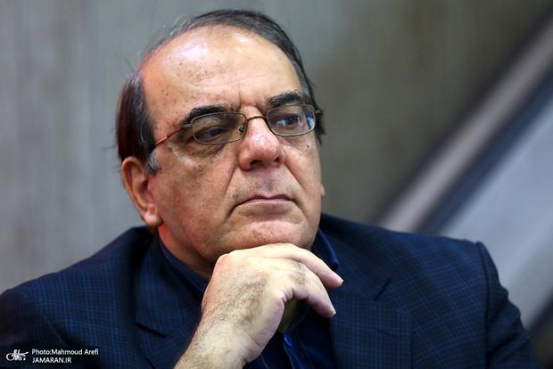 کنایه عباس عبدی به برنامه های چند هزار صفحه ای کاندیداها