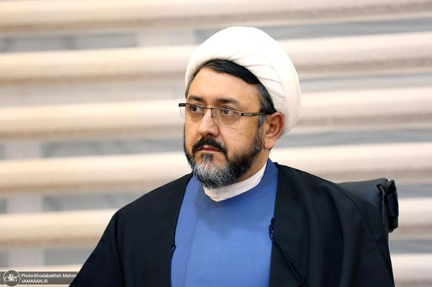 تسلیت علی کمساری به حسین مستوفی