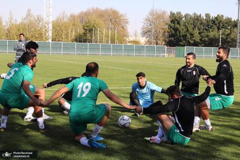 بازیکنان تیم ملی فوتبال در کیش اردو می زنند