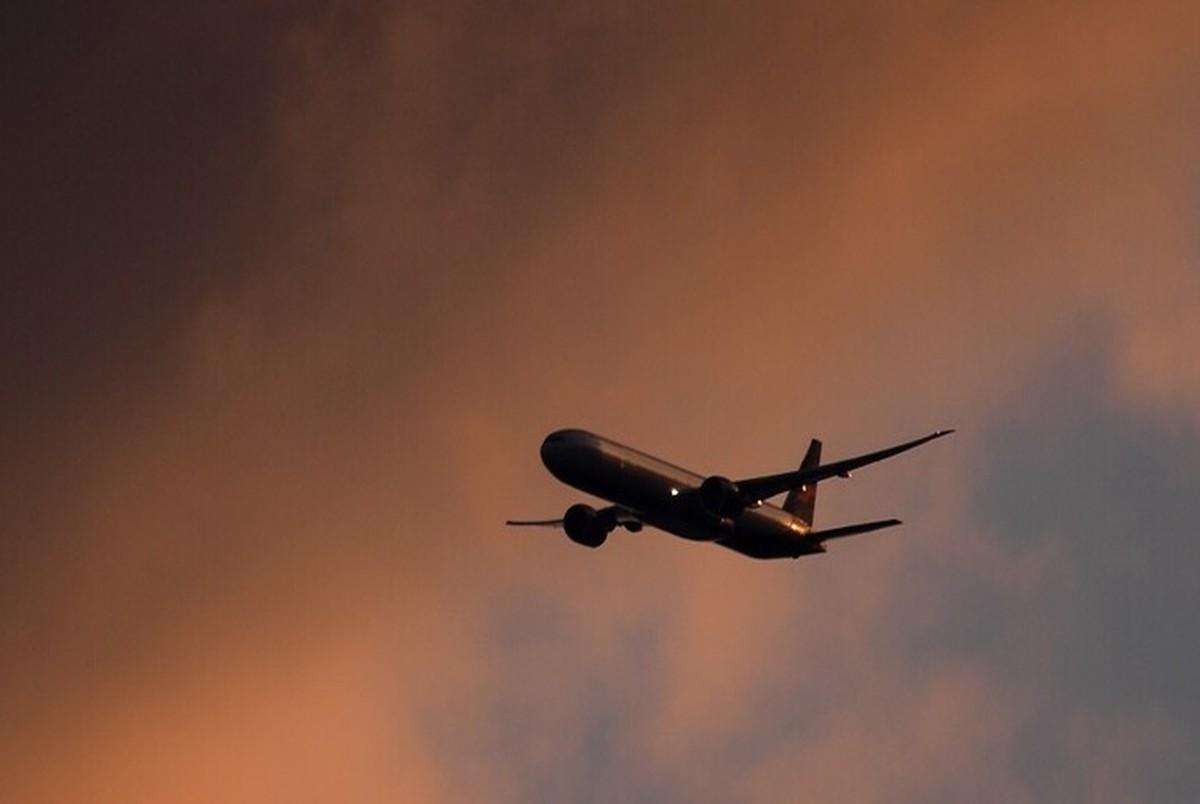 افزایش قیمت بلیت هواپیما غیرقانونی است/ با گرانفروشان برخورد خواهد شد + آدرس و شماره برای گزارش تخلفات