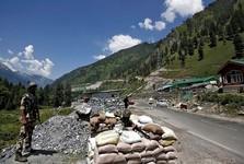 هند و چین نیروهای خود را از مرزها عقب کشیدند