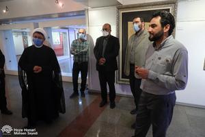 بازديد سرپرست موسسه تنظیم نشر آثار امام خمینی(س) از نمايشگاه عکس و نقاشی حوزه هنری