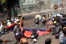 قتل عام مخالفان توسط نظامیان؛شمار کشته شدگان اعتراض های میانمار به 54 نفر رسید
