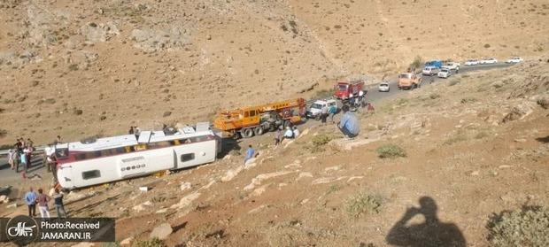 علت دو حادثه اخیر واژگونی اتوبوس خبرنگاران و سربازان اعلام شد/ اطلاعیه پلیس