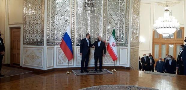 آغاز دیدار و گفتگوی ظریف و همتای روس در تهران