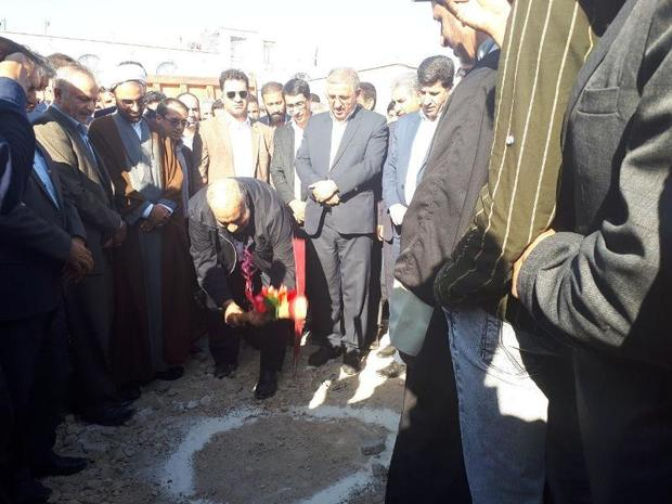مسجد علی ابن ابیطالب (ع) شهر سرمست گیلانغرب کلنگ زنی شد
