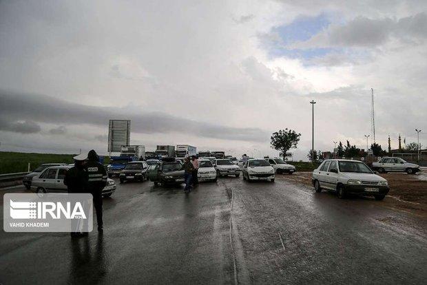 جادههای خراسان رضوی بارانی و لغزنده است