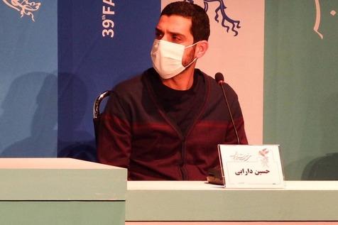 """توضیح کارگردان """"مصلحت"""" درباره شباهت گریم فرهاد قائمیان به یک شخصیت سیاسی"""
