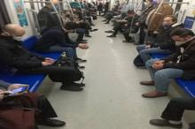 عکسی از رعایت پروتکلهای بهداشتی در متروی تهران