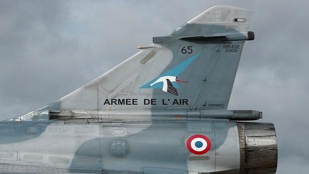 فرانسه هم از اراضی سوریه و هم از ائتلاف ضد داعش خارج می شود