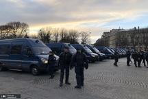 آغاز تظاهرات شنبه سیاه/ پاریس منطقه جنگی شد+ تصاویر