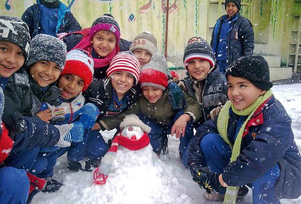 مدارس نوبت بعد از ظهر همدان به علت ریزش برف تعطیل شد