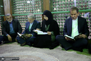تجدید میثاق رییس جمهور و اعضای دولت با آرمان های امام خمینی(س)