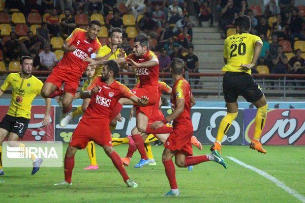 هافبک فولاد خوزستان همچنان در تمرینات این تیم غایب است