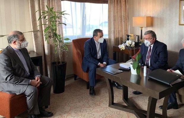 جلسه طولانی روسای هیأتهای ایران و روسیه در آستانه نشست کمیسیون برجام