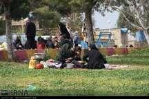 مسافران و گردشگران نوروزی نیروهای شهرداری را در پاکسازی طبیعت یاری کنند