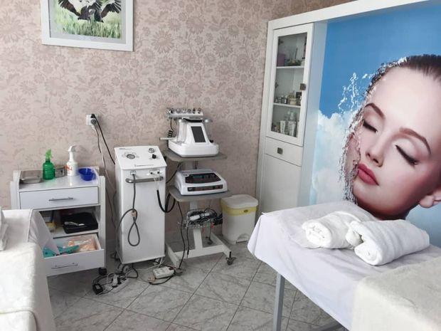 مداخلات پزشکی غیرمجاز و پنهانی آرایشگران