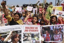 تعیین جنسیت نوزاد با داس! + تصاویر مرد هندی شکم همسرش را شکافت تا ببیند بچه دختر است یا پسر+ تصاویر