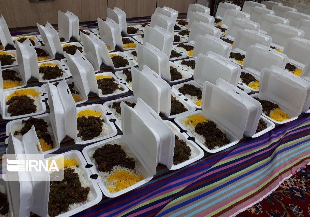 کمیته امداد چهار میلیون و ۷۰۰ پرس غذا بین محرومان توزیع کرد