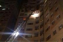آتش سوزی طبقه نهم یک برج در میدان دریاچه تهران مهار شد